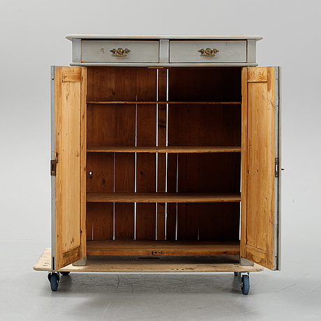 A cabinet around ca 1900's.