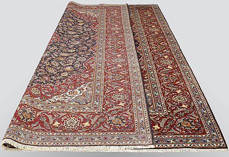 A carpet, kashan, ca 406 x 306 cm.