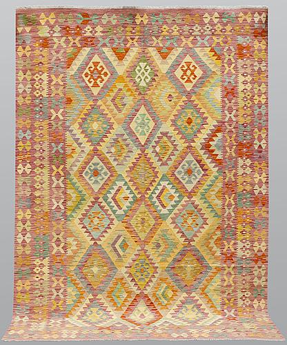 A carpet, kilim, ca 295 x 204 cm.