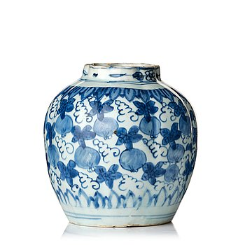 821. A blue and white jar, Ming dynasty, Wanli (1572-1620).