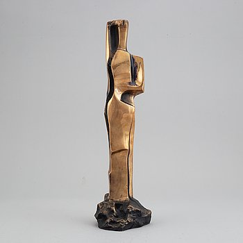 A signed bronze sculpture by Pipin Henderson.