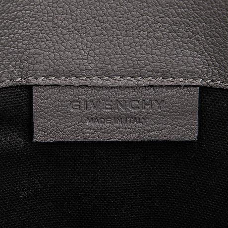 Givenchy, a 'antigona' goat leather clutch.