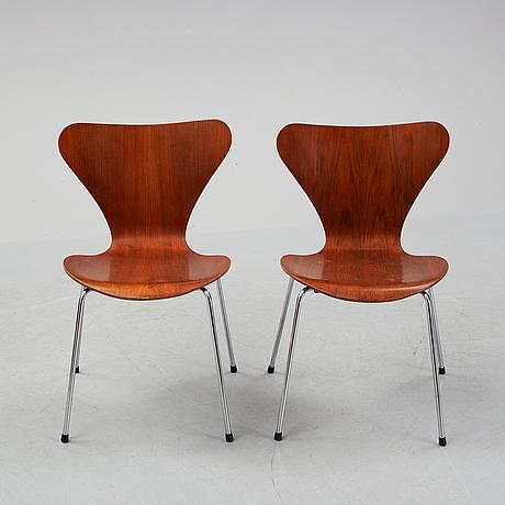Arne jacobsen, a pair of teak 'series 7' chairs, fritz hansen, denmark, 1976-78.