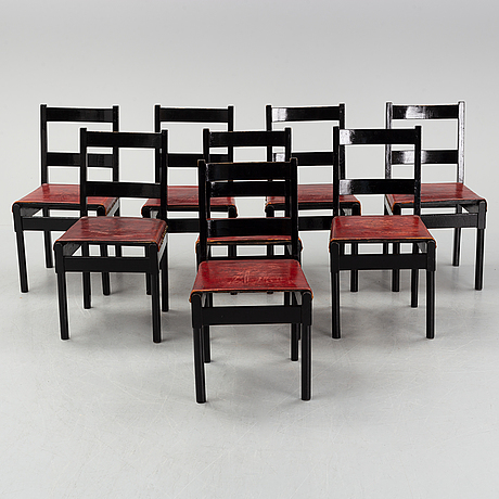 Torbjörn groot, eight chairs.