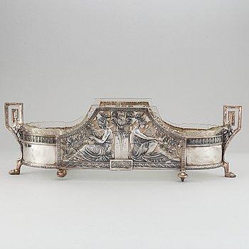 Württembergische Metallwarenfabrik, a silver plate and glass jardiniere, 1911.