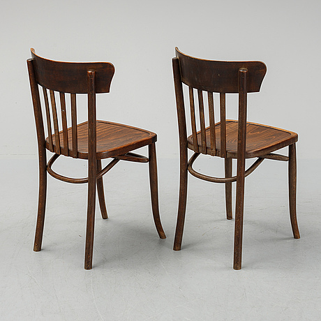 6 chairs from the first half of the 20th century.
