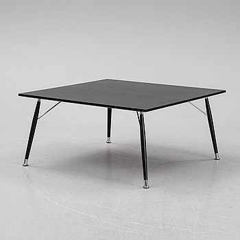An oak coffee table from Lammhults.