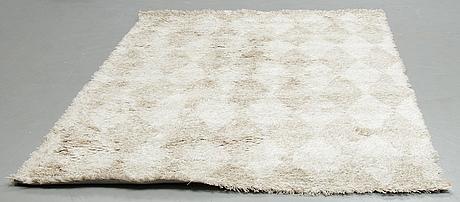 "Gunilla lagerhem ullberg, a carpet, fogg ""harlequin"" cream, hand tufted, ca 292-295 x 194-197 cm."