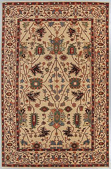 A carpet, Ushak design, ca 282 x 185 cm.