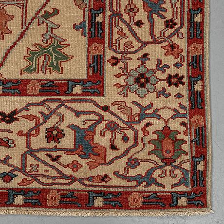 A carpet, ushak design, ca 282 x 185 cm.