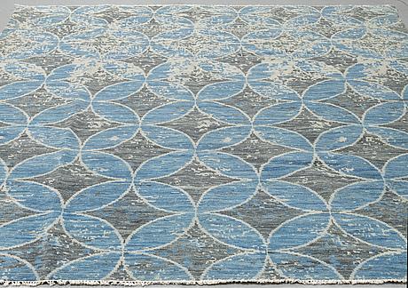 A carpet, oriental, ca 305 x 246 cm.