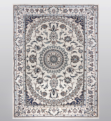 A carpet, nain, part silk, 9 laa; ca 276 x 196 cm.