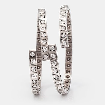 "Cartier, An 18K white gold bracelet ""Tectonique"" with brilliant-cut diamonds ca. 11.90 ct in total."