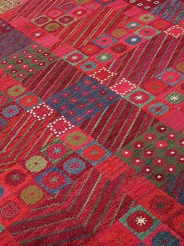 "Marianne richter, a carpet, ""fläkten"", knotted pile, ca 497-498,5 x 367-372 cm, signed ab mmf mr."