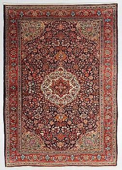A rug, semi-antique Kashan/Sarouk, ca 199 x 134 cm.