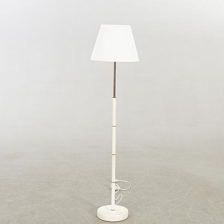 A mid 1900s bergbom floor lamp.