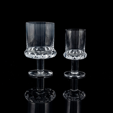 99 pieces glass service hovmantorp.