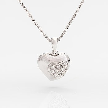 A 14K and 18K white gold necklace with diamonds ca. 0.055 ct in total.