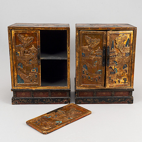A pair of chinese cabinets, 20th century.