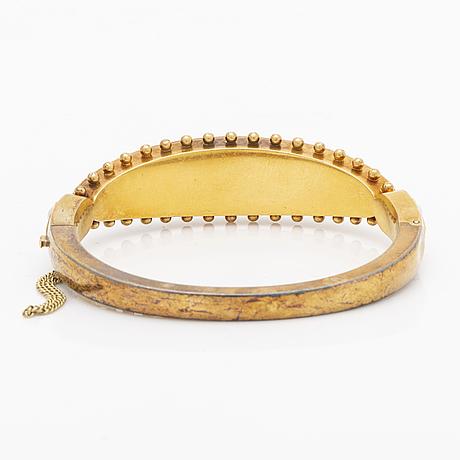 Bangle 14k gold with pearls, inner diameter approx 16 cm, hinge mechanism.