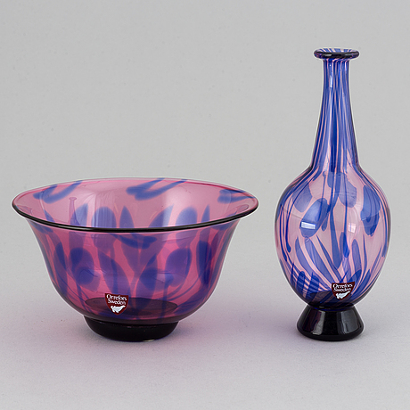 Eva englund, a glass bowl and vase, signed.