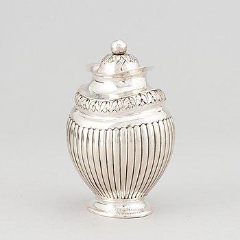 A danish silver tea caddy, mark of I Lercke, Copenhagen 1825.