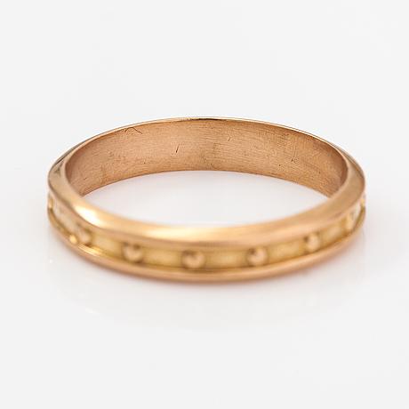 "An 18k gold ring ""räisälä ring"", model 1271. kalevala koru, helsinki 1967."
