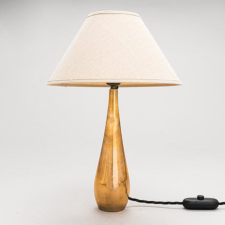 Mauri almari, a mid 20th century 'k11-22' table lamp for idman, finland.
