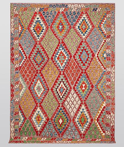A carpet, kilim, ca 284 x 203 cm.