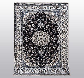 Matto, Nain, part silk, 9 LAA, ca 242 x 170 cm.