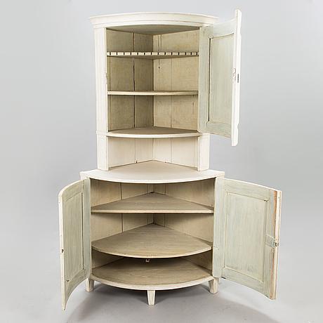 A gustavian corner cabinet, late 18th century.