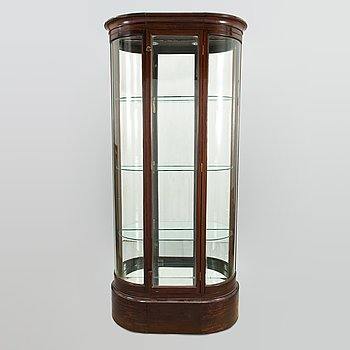 An Art Deco display cabinet from early 20th century.