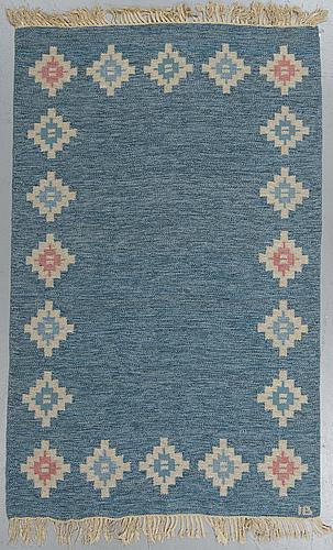 Matta, rölakan, ca 202,5-204 x 137-138 cm, signerad ib.