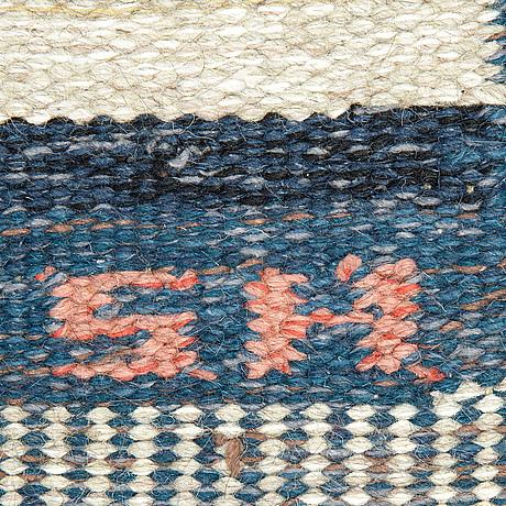 A carpet, flat weave, ca 199 x 122,5-125,5 cm, signed s.h. (possibly svensk hemslöjd).