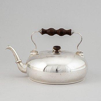 An italian silver teapot, Vallé, Milan.