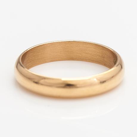An 18k gold ring. kultateollisuus, hämeenlinna 1975.