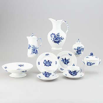 Royal Copenhagen, a part 'Blå Blomst' coffee service, Denmark (40 pieces).