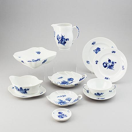 Royal copenhagen, a part 'blå blomst' dinner service, denmark (41 pieces).