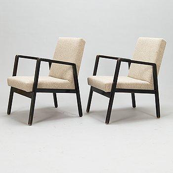 Alvar Aalto, nojatuolipari, malli 403, Artek 1900-luvun puoliväli.
