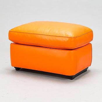A 21 st century 'Vanity fair' puff for Poltrona Frau, Italy.