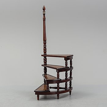 A mahogany bookcase ladder, second half of the 20th-century.