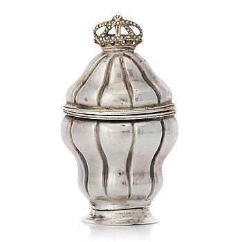 A Swedish 18th century parcel-gilt silver snuff-box, mark of Anders Rönnov, (Hälsningborg 1777-1802(1819)).