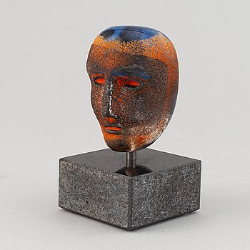 Bertil Vallien, a glass sculpture, signed and Lim ed 1000, Kosta Boda Sweden.