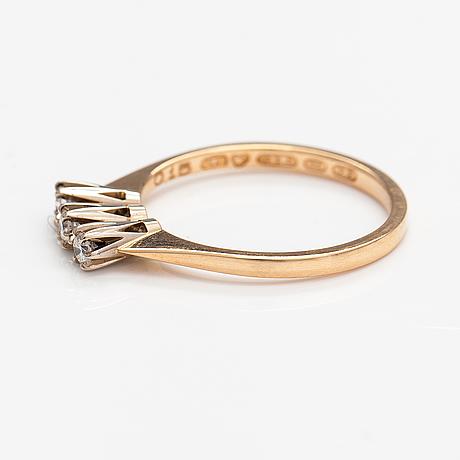 Elis kauppi, ring, 14k guld, diamanter ca 0.15 ct tot enligt gravyr. kuoittaan kulta, åbo 1981.