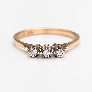 Elis Kauppi, A 14K gold ring with diamonds ca. 0.15 ct in total according to engraving. Kupittaan kulta, Turku 1981.