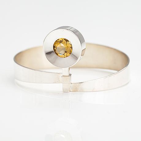 Elis kauppi, a silver bracelet with a citrine. kupittaan kulta, turku 1965.