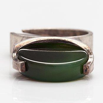 A sterling silver ring with a coloured calcedony. Matti Hyvärinen, TUrku 1975.