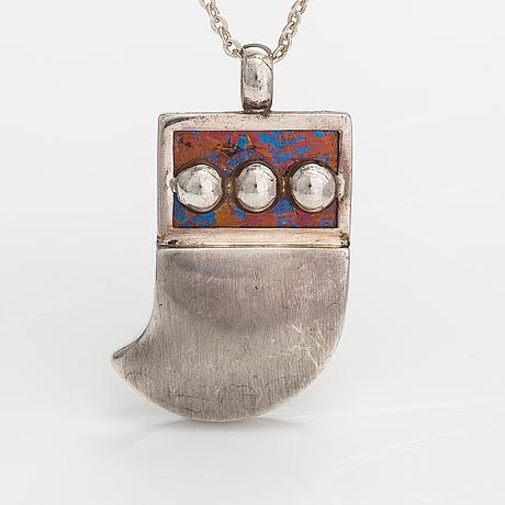 Nanny still, halsband, sterlingsilver, titan. kultakeskus, tavastehus 1976.