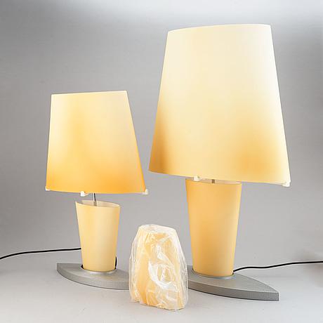 Bordslampor, 2 st, design av daniela puppa 1991, fontana arte, italien.