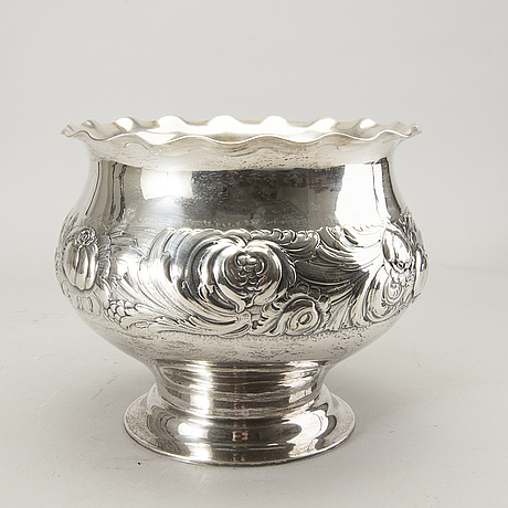 K andersson, a silver chapagne cooler, stockholm 1917.